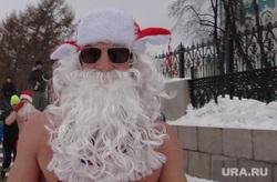 Мэр Ройзман встретил Новый год пробежкой и толпа ледовый городок