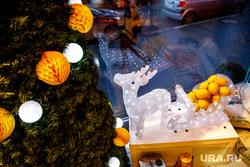 Новогоднее оформление ресторана Маккерони. Екатеринбург, новогодняя елка, новогоднее оформление, украшения, интерьер