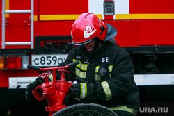 Пожар в Пушкинском музее. Москва, пожарные, тушение пожара, автомобили мчс, пожарные машины