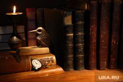 Антиквариат, старые книги, папа римский, часы, старые книги, старинные книги