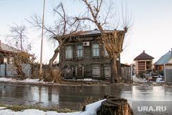 Разное. Курган, частный сектор, деревянные дома, серость в городе