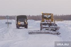 Деревня Ярки, зимник. Ханты-Мансийский район, трактор, автозимник