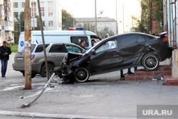 Авария Курган, разбитый автомобиль, дтп