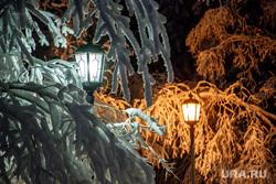 Виды Салехарда, фонари, мороз, ночь, зима, городской сад, иней, снег, парк, уличное освещение
