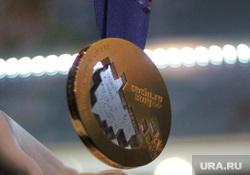 Презентация олимпийских медалей зимних игр 2014 года в Сочи. Екатеринбург, медаль сочи, сочи 2014, sochi 2014