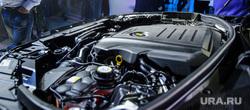 Презентация нового автомобиля Range Rover Velar в Музее архитектуры и дизайна. Екатеринбург, капот, машина, двигатель, range rover velar, презентация автомобиля