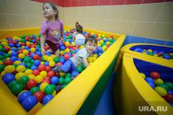 Поселок Тазовский, Новый Уренгой, Ямало-Ненецкий автономный округ, детский сад, аттракцион, бассейн, дети, детская игра