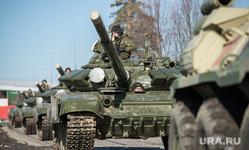Первая репетиция юбилейного Парада Победы в Екатеринбурге на 2-ой Новосибирской, т-72, военная техника, танк, тяжелое вооружение