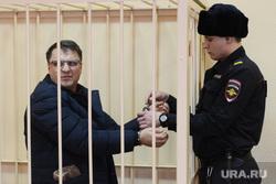 Избрание меры Виктору Тихонову. Челябинск, решетка, подсудимый, полиция, тихонов виктор