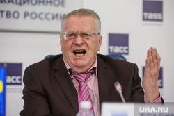 Пресс-конференция ЛДПР в ТАСС. Москва, жириновский владимир, жест рукой