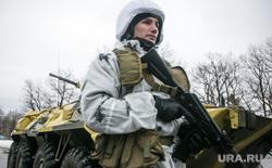 Однодневные сборы парламентариев и прессы в 21 бригаде Росгвардии. Москва, бтр, конвой, армия, солдаты, вежливые люди, росгвардия