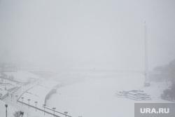 Обрушение кровли жилого дома по ул. 50 лет ВЛКСМ. Тюмень, мост влюбленных, снегопад