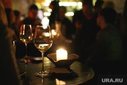 Бар Shalom Shanghai 1 год. Екатеринбург, свеча, вечеринка, бокалы, бар, ресторан