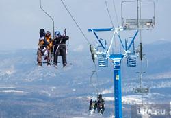 Яхты, ураган, горнолыжный курорт, горы, солнце, солнечная система, лыжники, подъемник, горнолыжный курорт, горные лыжи, сноубордисты, канатная дорога, катание на лыжах, зимние виды спорта