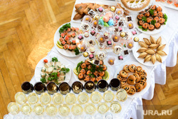 Открытие Уральского театрального форума. Челябинск, вино, закуски, стол, банкет, еда