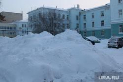 Город в снегу. Курган., сугробы, снег в городе, зима