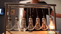 Американская художница Миранда Меткалф в галереях современного искусства Екатеринбурга, свет, лампочки, электричество, меткалф миранда