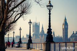 Граненый стакан, мороз, холод на улице, термометр, автомобильный аккумулятор, лондон, великобритания, биг бен, big ben