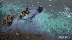 Цветная вода у полпредства. Екатеринбург, загрязнение среды, выбросы, сброс нечистот, экология