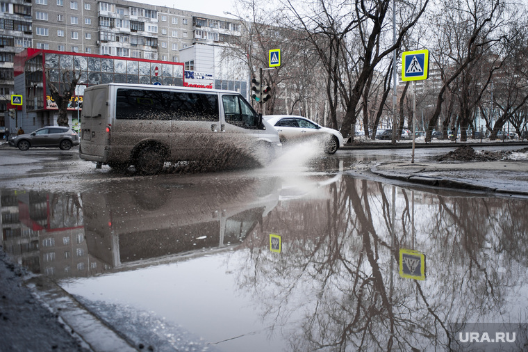 Состояние дорог Екатеринбурга, улица кировоградская, перекресток кировоградская стахановская