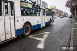 Выделеная полоса общественного транспорта на Малышева. Екатеринбург, троллейбус, дорожное движение, полоса общественного транспорта, дорожная разметка, полоса для автобусов