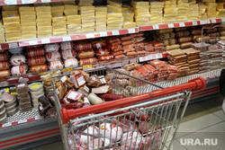 ТЦ Парус (Метрополис) Курган, колбаса, сосиски, тележка, сыр, мясные продукты
