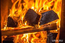 Клипарт октябрь. , огонь  в печи, баня, дрова, очаг