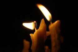Открытая лицензия от 25.08.2015. Траур, свечи, траур