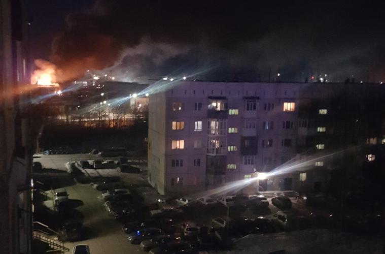 НаЯмале ночью произошел пожар в 2-х  торговых центрах