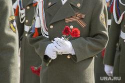 Празднование Дня Победы в ВОВ в Салехарде, минута молчания, траур, возложение цветов, день победы, 9 мая