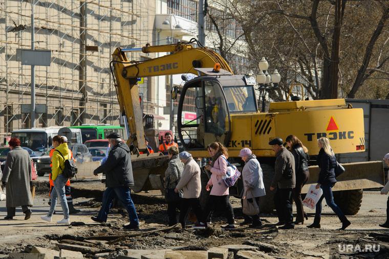 Замена трамвайного полотна на проспекте Ленина в районе пересечения с улицей Карла Либкнехта. Екатеринбург