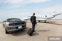 Клипарт depositphotos.com , аэропорт, богач, бизнесмен, олигарх, личный самолет, путешествие