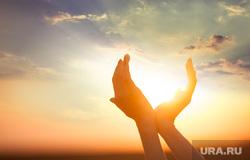 Работа руками, айфон 8, скорая помощь, солнце, солнечный свет, небо, рассвет, солнце