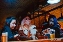 ночная жизнь клубов и баров. «Шалом Шанхай» и «Мизантроп». Екатеринбург, мизантроп, тусовка, ночь, клуб, grunge garage