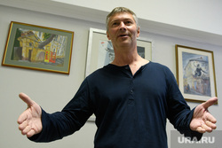Комиссия по местному самоуправлению и внеочередное заседание гордумы Екатеринбурга, ройзман евгений, портрет, разводит руками
