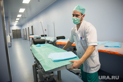 Визит Орлова в Нижний Тагил , больница, врач, больничный коридор, санитар, медбрат