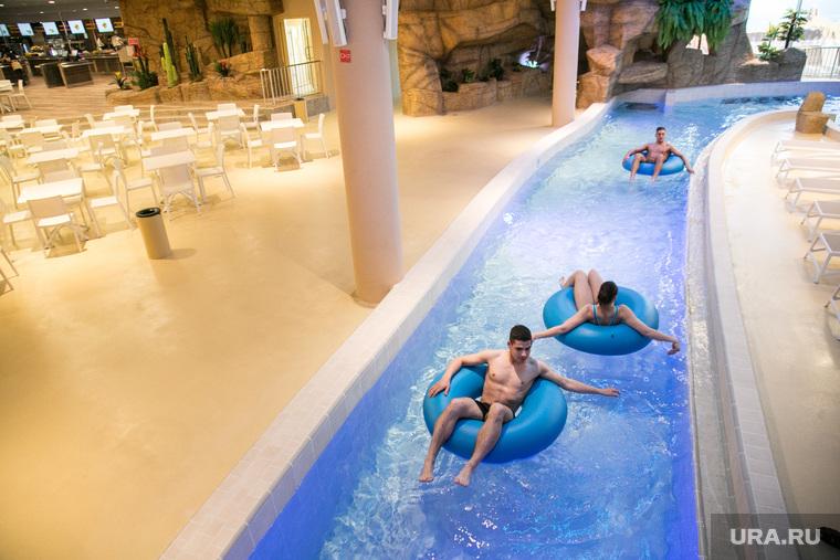 """Открытие аквапарка """"Летолето"""". Тюмень, надувной круг, купание в аквапарке"""