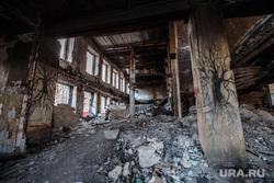 Пожар в заброшенной больнице в Зеленой роще. Екатеринбург, пепелище, заброшенная больница, разруха, разрушенное здание, больница в зеленой роще, бсмп-1