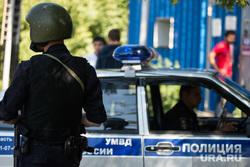 Протесты мигрантов в поселке Кольцово. Екатеринбург, умвд, полицейская машина, полиция, полицейский