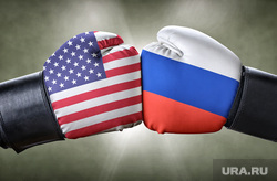 автосалон, автомобили, противостояние россия и сша, агрессия, злость, ругань, бунт, боксерские перчатки, противостояние россия сша, поединок россия сша