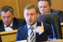 Комиссия по местному самоуправлению и внеочередное заседание гордумы Екатеринбурга, караваев александр, жест рукой