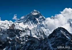 Яхты, ураган, горнолыжный курорт, горы, солнце, солнечная система, эверест, горы, альпинизм, вершина горы, горы зимой