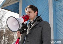 Митинг против сокращения врачей и закрытия отделений в районной больнице. Село Уинское. Пермский край , барановский дмитрий