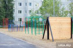 Бадина в школе №21. Нижневартовск., спортивная площадка