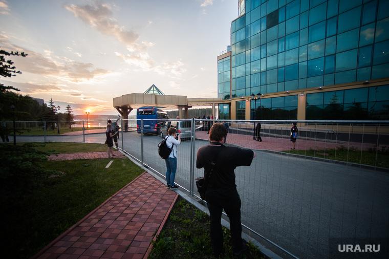 Прибытие сборной Швеции по футболу в отель Ramada. Екатеринбург