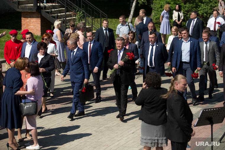 Митинг приуроченный к двадцатой годовщине трагической гибели мэра Нефтеюганска Петухова. Нефтеюганск, тихонов василий