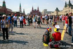 Футбольные болельщики в Москве, красная площадь, колумбийские болельщики