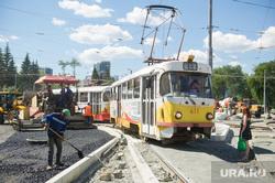 Виды Екатеринбурга, дорожная развязка, трамвай, строительство, общественный транспорт, перекресток ленина московская, маршрут13