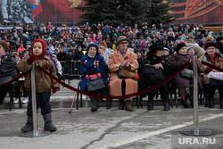 Парад 9 мая. Пермь, пенсионеры, ветераны, ребенок, парад победы