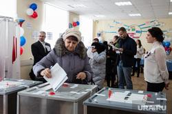 ВЫБОРЫ 2018. День голосования Сургут, бюллетени, выборы 2018, голосование, урна для голосования